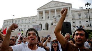 Португалската полиция стачкува