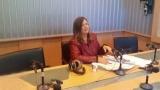 Върнете журналиста Лили Маринкова в ефир, призовават и политици