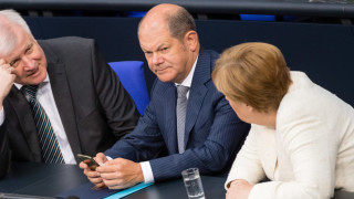 Вицеканцлерът Шолц се кандидатира за лидер на Социалдемократите в Германия