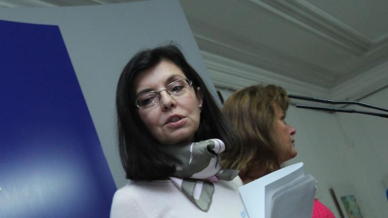 """Кунева иска """"забранителен списък"""" на фирми, издънили се със закуски за учениците"""