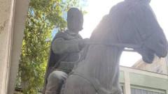 От ВМРО са готови да купят паметника на Борис Сарафов, махнат в Скопие
