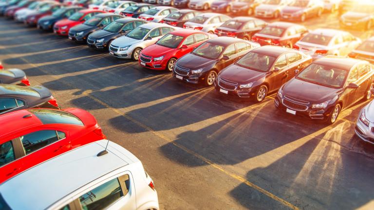 Toyota успява да задържи първата си позиция по продажби в