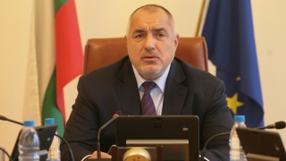 Спирате всякакви обществени поръчки, заповяда Борисов на министрите