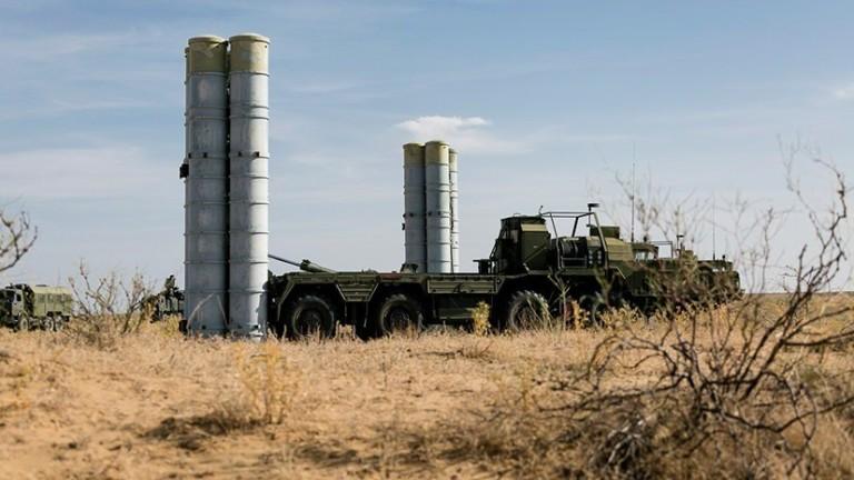 """САЩ плашат Турция със """"сериозни последици"""", ако въведе С-400 на Русия"""