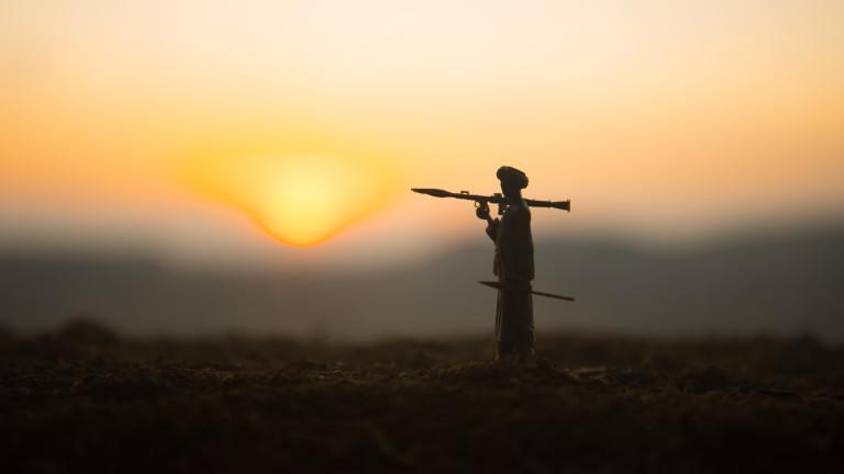 Джо Байдън преразглежда споразумението с талибаните
