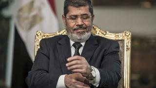 Бившият президент на Египет Мохамед Морси почина в съда