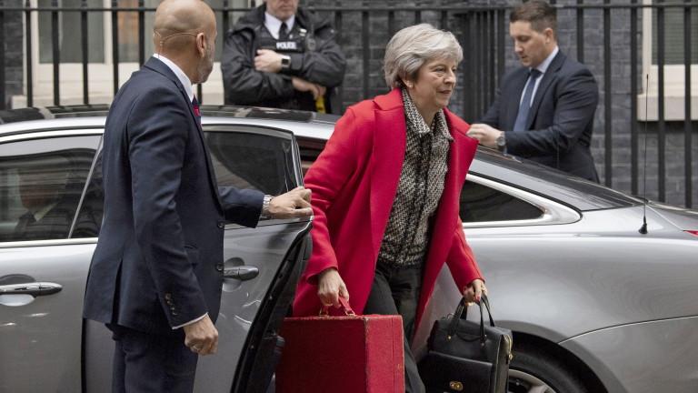 Британският премиер Мей ще защитава плана на правителството за Брекзит