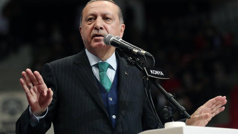 Ердоган скастри Тръмп: Не можете да купите Турция с доларите си