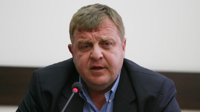 Каракачанов непримирим за концепцията за циганите