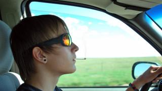 Тийнейджърите вече пробват марихуана преди алкохол и цигари