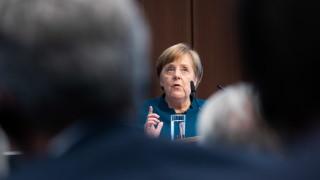 Меркел очаква до 58 милиона болни от коронавирус в Германия