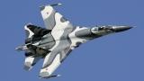 Су-27 прихвана US военен самолет