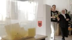 Албания провежда местни избори на фона на политически сътресения