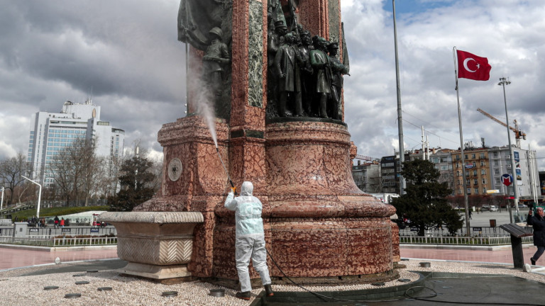 Анкара: Заболели от COVID-19 има по цяла Турция