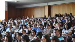 Студентите имат право на обезщетение, ако ги съкратят от работа
