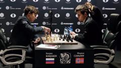 Карякин и Карлсен с партия за 40 минути, следва тайбрек