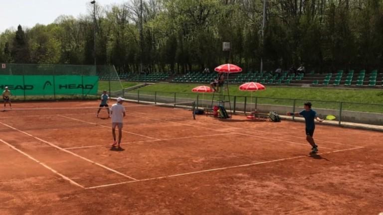 Симон Антъни Иванов на 1/4-финал на турнир във Варна