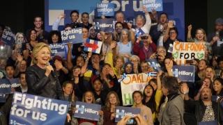 """Клинтън се възползва от напрежението и формира """"Републиканци за Хилари"""""""