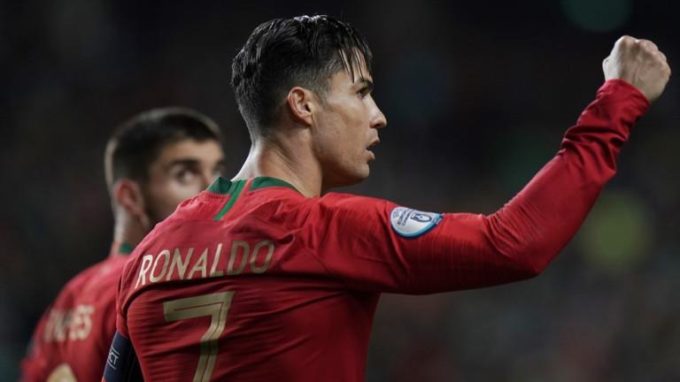 Португалия запази шансовете си за класиране на Евро 2020, след