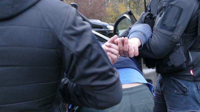 Арестуваха трима за обира на банкомат в Стара Загора