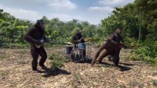 """""""Колдплей"""" се правят на маймуни в новия си клип"""