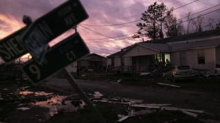 """Увеличават се жертвите от урагана """"Майкъл"""""""