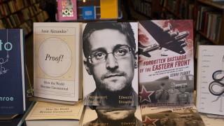 САЩ съдят Сноудън заради книгата му