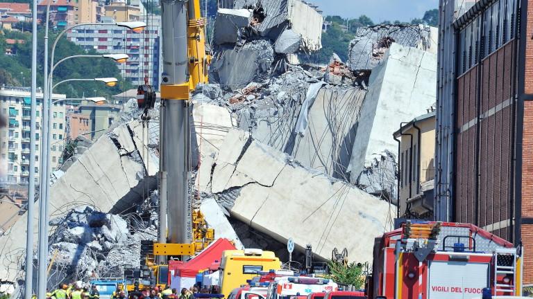 Броят на загиналите при трагичния инцидент с рухналия мост в