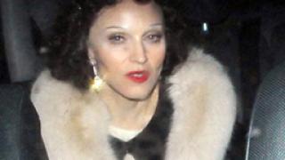 Мадона се предреши като Едит Пиаф за бал на кабалистите