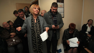 Манолова атакува манипулациите и фалшификациите в изборния процес в съда