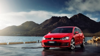 Volkswagen показва обновения Golf през ноември