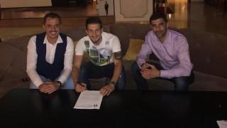 Нелуц Рошу се събра с най-младия капитан в историята на Левски
