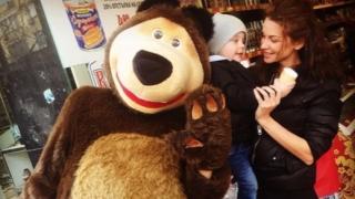 Диляна Попова се върна при сина си Борил