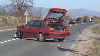 Трима пострадали при верижна катастрофа до Казанлък
