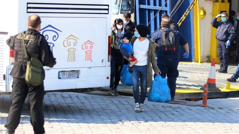 Гърция постави под карантина втори бежански лагер тази седмица. 53-годишен