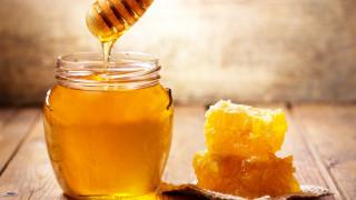 Унищожават 45 кг пчелен мед заради грешни етикети