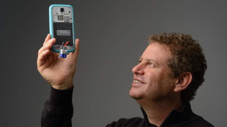 Как да заредите батерията на телефона си за по-малко от минута?