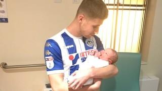 Той вкара два гола и бе сменен, за да види раждането на сина си