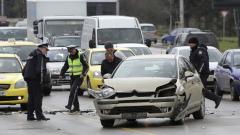 Жена пострада при катастрофа между тролей и автомобил в София