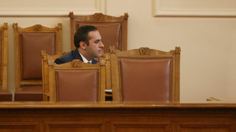 Емил Караниколов: Защо да не продаваме земеделска земя на чужденци