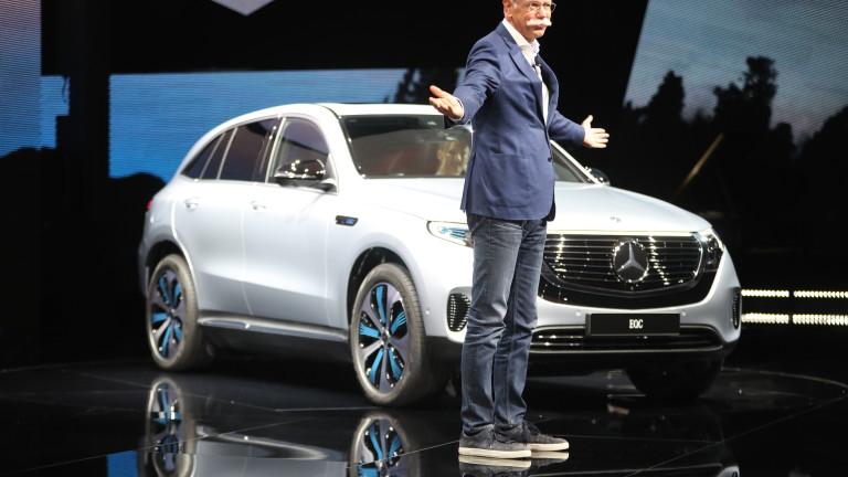 Производителят на Mercedes-Benz ще похарчи милиарди в поръчка за компоненти