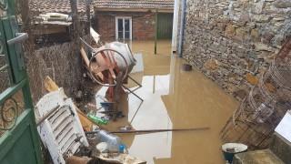 Военни помагат след наводненията в Бургаско