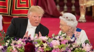 Ето така посреща гости кралицата