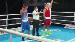 Чолов на полуфинал на Световното първенство по бокс