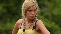 Манекенката Емануела Бадева напусна Survivor