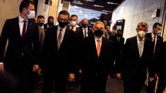 Орбан, Бабиш и Моравецки предупреждават за миграционна заплаха от Афганистан