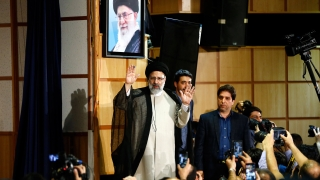 1600 искат да са президент в Иран