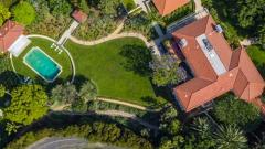 Новата къща на Анджелина Джоли (СНИМКИ)