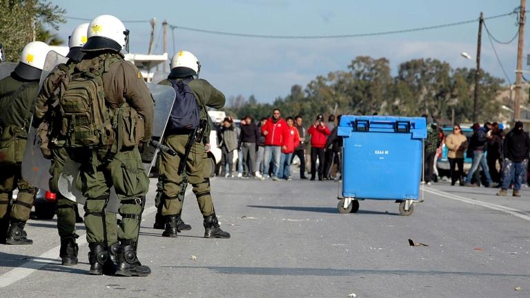 Жители на о. Кос протестираха срещу строителството на жилища за бежанци