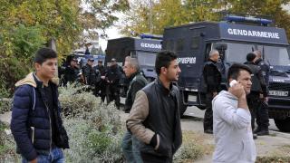"""ДАНС, МВР и прокуратурата """"разбиха канал"""" за трафик на мигранти, съставен от двама нашенци"""